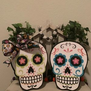 Sugar skull wooden easel decor set